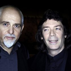 Peter Gabriel with Steve Photo © Maurizio Vicedomini da http://www.horizonsradio.it/wp-content/uploads/2017/02/blog18-250x250.jpg