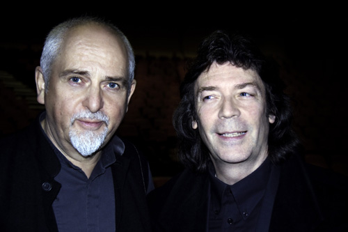 Peter Gabriel with Steve Photo © Maurizio Vicedomini da http://www.hackettsongs.com